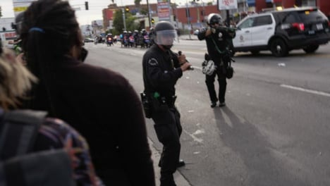 Hollywood-Police-Officer-Push-and-Shoot-at-Protesters